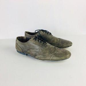Bedford Stu Men Gray Distressed Oxford Shoe Size 8